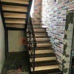 лестницы из дуба с площадкой