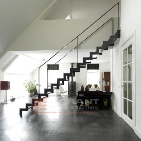 лестница прямая на второй этаж в дом
