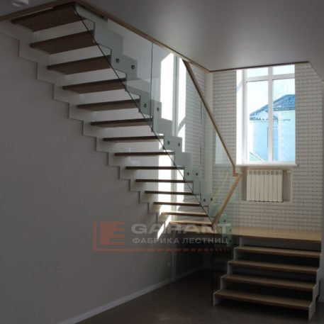 lestnicy na vtoroy etazh 107