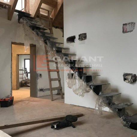 лестница прямая на второй этаж