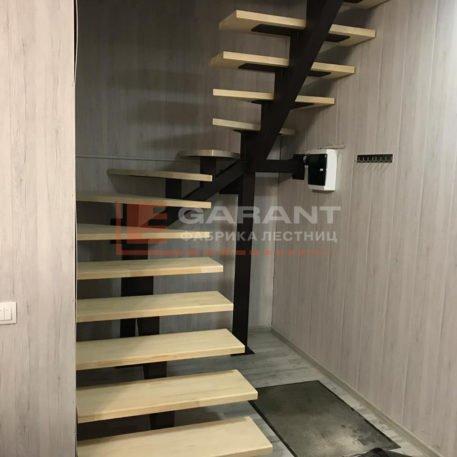 лестница п-образная на второй этаж