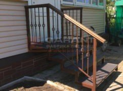 лестница на крыльцо из металла