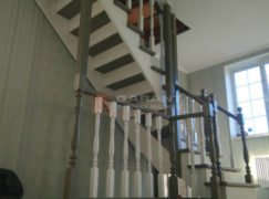 лестница угловая деревянная